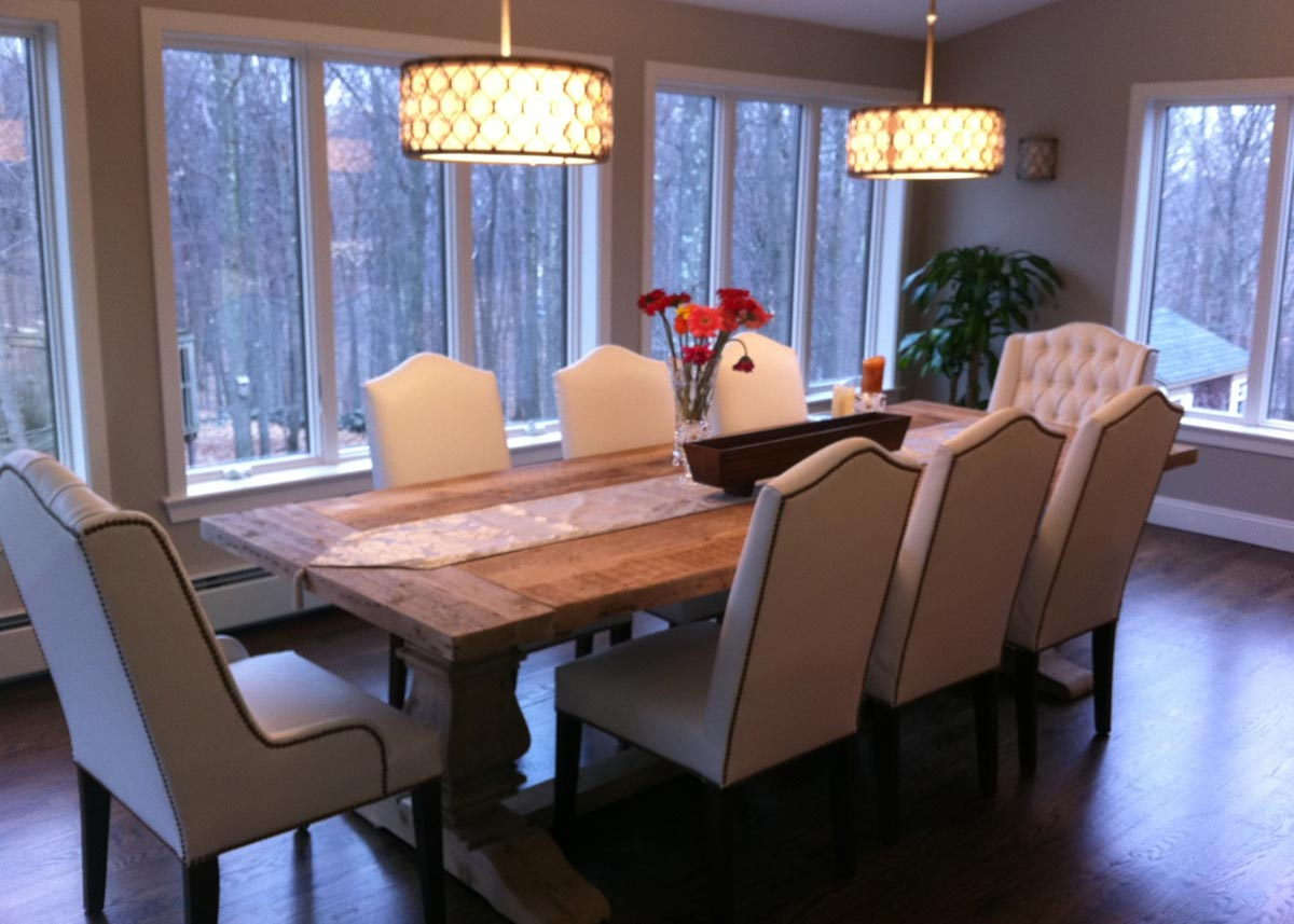 Dining Room With 6 Side Chairs And 2 Host The Have A Camel Back Tapered Legs Nailhead Trim